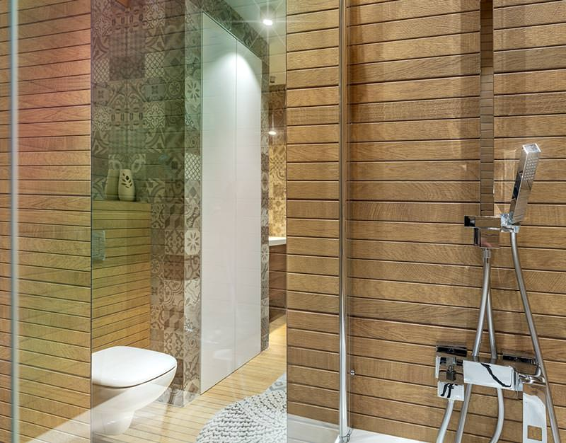 Санузел 2 этаж вид из ванны